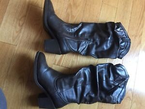 Brown boots size 7 excellent condition used only once