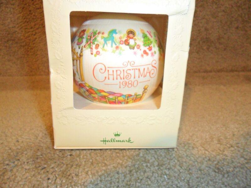 HALLMARK TREE-TRIMMER SATIN CHRISTMAS ORNAMENT • GRANDDAUGHTER •1980 w/box