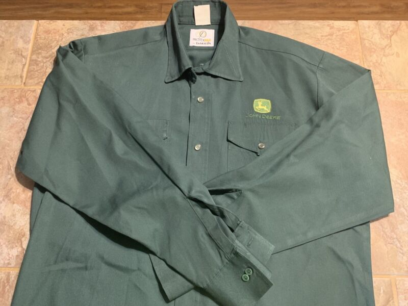 JOHN DEERE Mens Workshirt Size LARGE  with Buttonsnaps