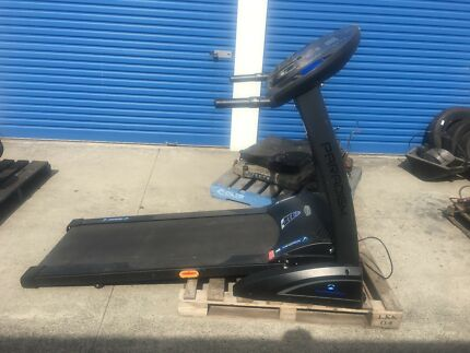Treadmill top of the range and compact