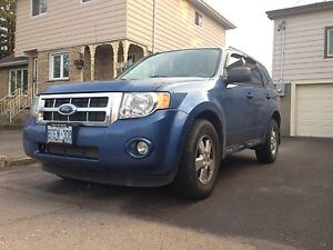 2009 FORD ESCAPE XLT AWD NEED GONE