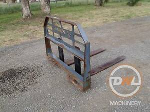 RHINO SKID STEER BOBCAT FORKLIFT FORK ATTACHMENT PALLET FORKS Austral Liverpool Area Preview