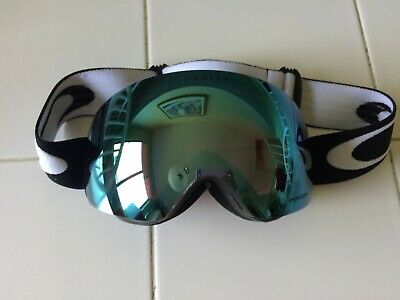 Oakley Flight Deck XM Snow Goggles, Matte Black, Prizm Sapphire Iridium, Medium