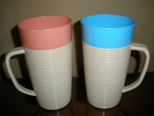 """Lot of 2 Vintage Raffiaware Thermo-Temp 6"""" Tall Blue & Pink Mugs Cups"""