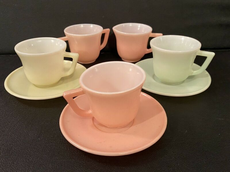 Vintage HAZEL ATLAS CHILDS TEA SET 3 cups and saucers with sugar and creamer