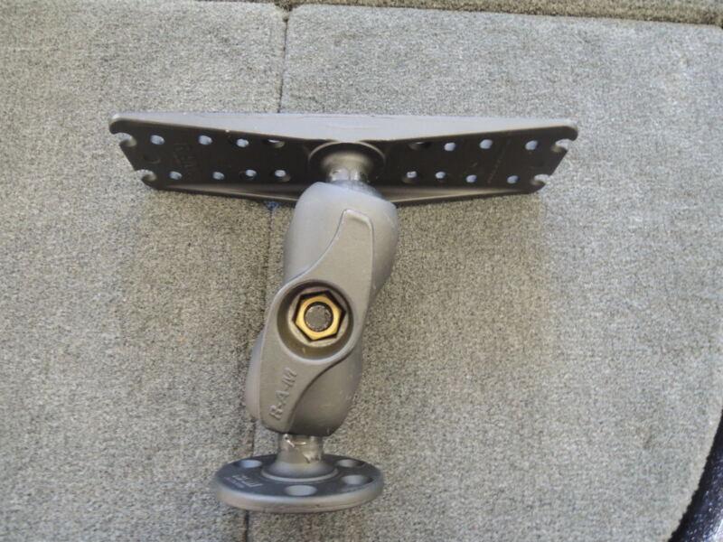 "Ram Mount D-111U-C Lowrance Garmin Raymarine  2.25"" ball super heavy duty"