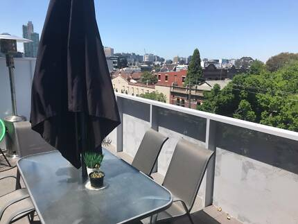 New South Melbourne Apartment - Next to Markets with Huge Balcony