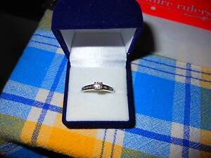 18ct WHITE GOLD & 0.75ct DIAMOND RING. Maylands Bayswater Area Preview