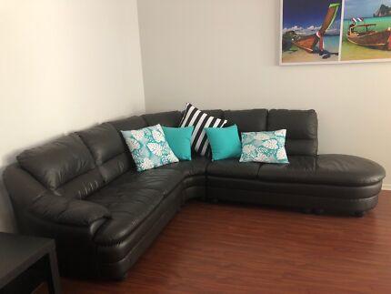 4-5 person leather corner lounge