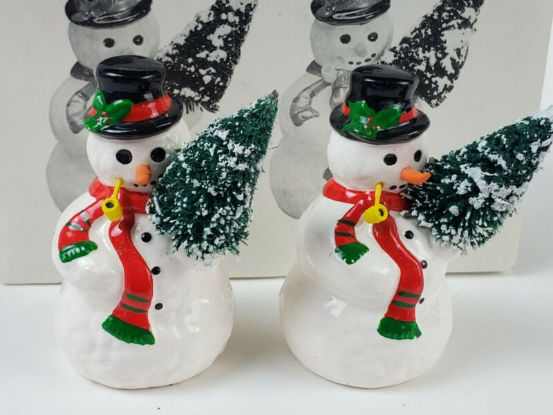 Dept 56 Snow Village A TREE FOR ME 2 Piece Snowman Set in Box