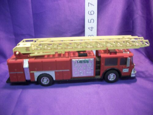 HESS RED FIRE TRUCK BANK 1986 GAS STATION TRUCK TOY  VINTAGE  LADDER LIGHTS