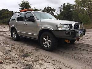ARB DIFF LOCKED, DUAL WINCHES, CUSTOMISED V8 FORD EXPLORER 4x4 Darch Wanneroo Area Preview