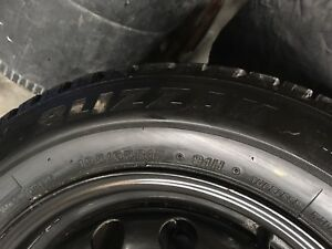 Bridgestone BLIZZAK 195/65R/15 Snow's with black rims