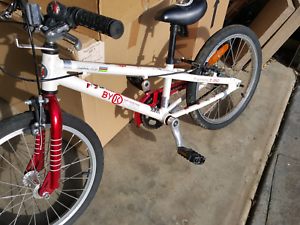 Girls bike as new  Kept in garage for years Mitcham Whitehorse Area Preview