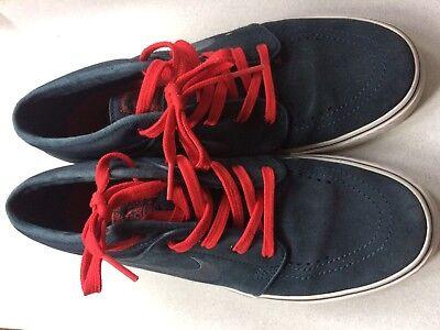 608da04bcad0 Nike SB Suede Trainers £65.95 Size 6   39 Navy