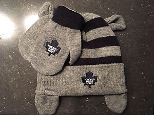 Toronto Maple Leafs 12months-2T hat and mitt set