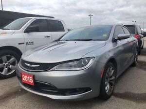 2015 Chrysler 200 S**AWD**NAV**BACK UP CAM**BLUETOOTH**SUNROOF**
