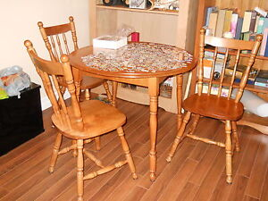 Solid maple dining table with 4 chairs for Sale