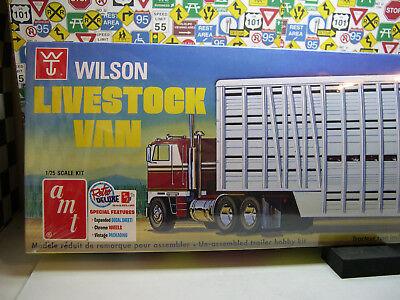 Van Trailer Kit - WILSON LIVESTOCK VAN TRAILER  AMT 1:25 SCALE PLASTIC MODEL TRAILER KIT