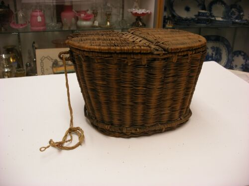 Antique Vtg Sewing Notions - Primitive Victorian Era Wicker Sewing Basket
