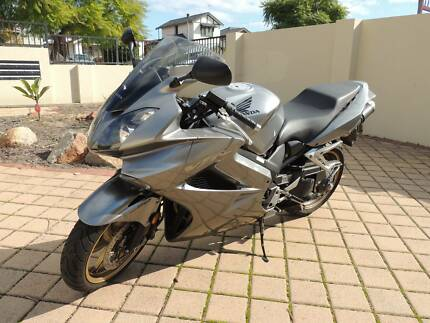 Low KM, unmarked, silver VFR800 Kensington South Perth Area Preview