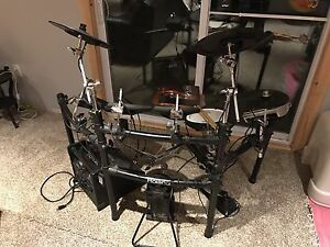 Roland TD-9 full drum kit, with $250 Instructional Set