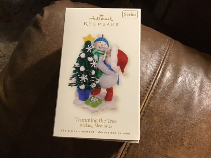 Hallmark 2008 TRIMMING THE TREE 1st in Making Memories Series Mint in Mint Box