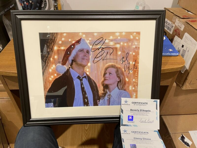 Autographed Chevy Chase Beverly D'angelo Signed 11x14 Framed Photo Ssg Coa