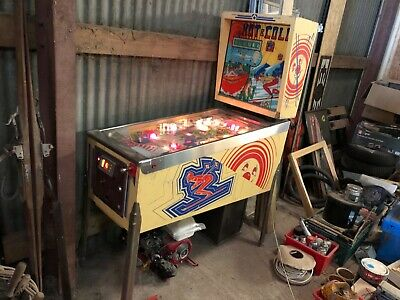 VINTAGE HOT & COLD SKI PINBALL MACHINE AMERICANA MEMORABILIA MAN CAVE BARN FIND