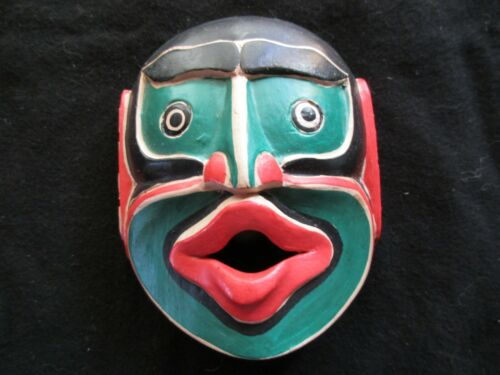 """CLASSIC NORTHWEST COAST DESIGN, """"WOMAN WOODS"""" CARVED WOODEN MASK,  WY-0221*04624"""