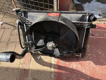 VP  Commodore V6 radiator and thermo fan $80 Ballajura Swan Area Preview