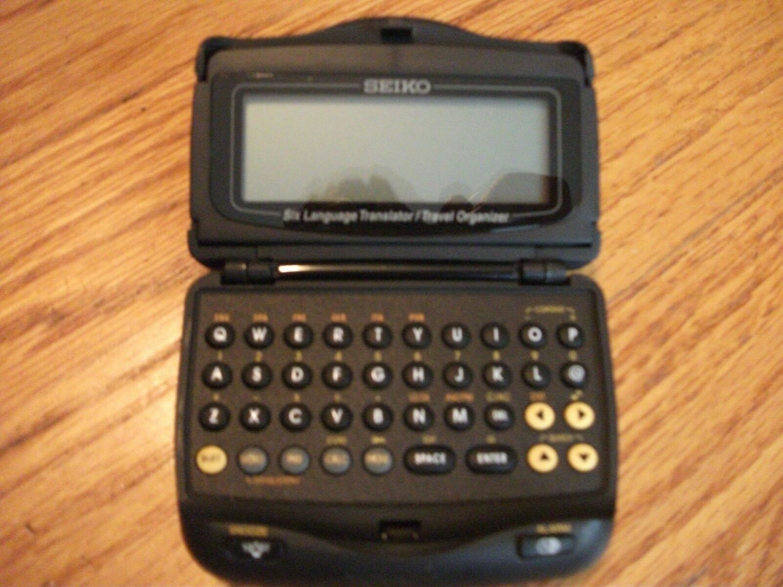 Seiko Model DF4033 Six-Language Pocket Translator / Travel Organizer    1X1077