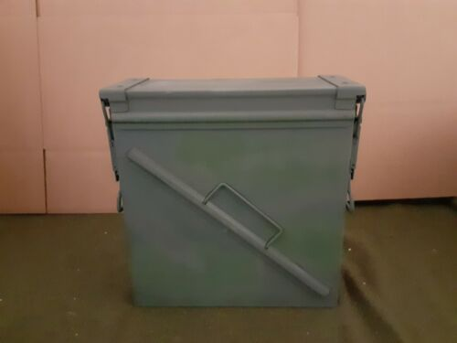 PA-125 AMMO CAN GOOD CONDITION EMPTY * FREE SHIPPING *