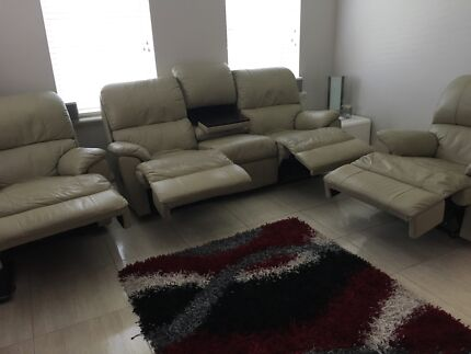 Lounge suite Southern River Gosnells Area Preview
