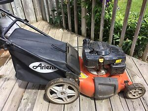 "Ariens 21"" cutting blade Gas powered Lawn mower in great"