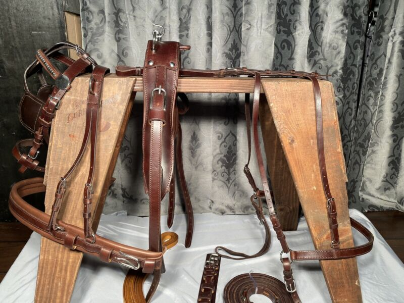 ***Leaders Worldwide Inc*** Eco Leather Harness For Pony In Brown