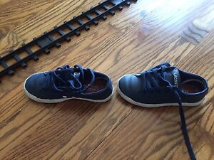 Lacoste shoes size 11 enfants garçons