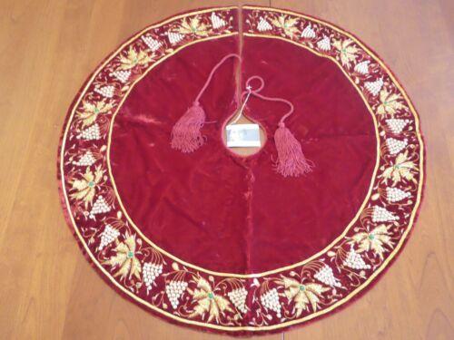 SUDHA PENNATHUR RED VELVET GOLD /WHITE BEADED TRIM TREE SKIRT WITH ORIGINAL TAG!