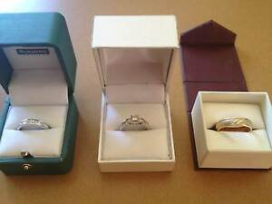 WEDDING SET. QUICK SALE. REDUCED BY 30% BELOW VALUATION. Hammond Park Cockburn Area Preview