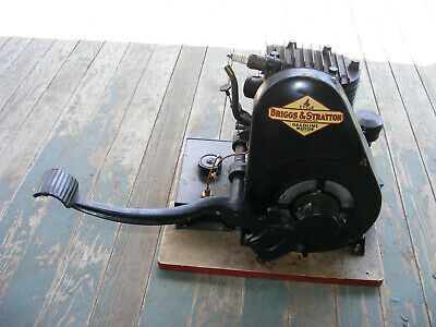 Antique Briggs Stratton Y Kick Start Engine