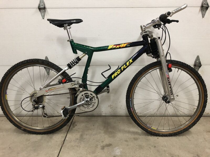 """Pro-Flex Beast World Cup Design 26"""" Mountain Bike Girvin and Magura Equipped"""