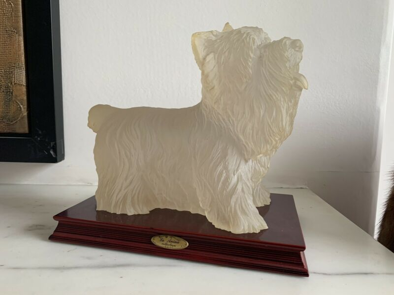 Resin+Standing+Westie+Mounted+on+Wood+Plinth+La+Anina+Collection