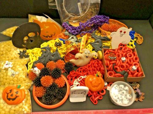 L🎃🎃K!  2 LB Vintage Halloween Jewelry, Ghosts, Witch, Cat, Pumpkins, Craft Lot