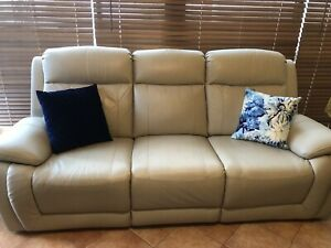 4 electric recliner cream leather sofa set - as new