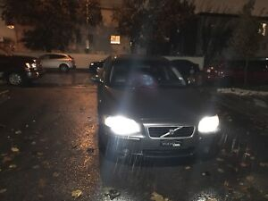 S60 VOLVO 2006 (has to be sold by tuesday) WINTER READY