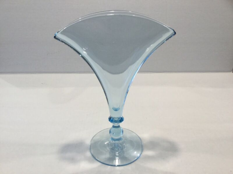 """Elegant Glass Fostoria Fairfax Blue 8 1/4"""" Fan Vase Rara"""