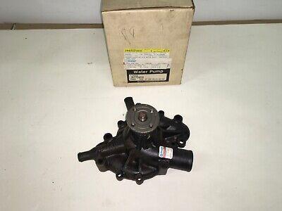 Original NOS NEW OEM AMC Jeep waterpump JR775050