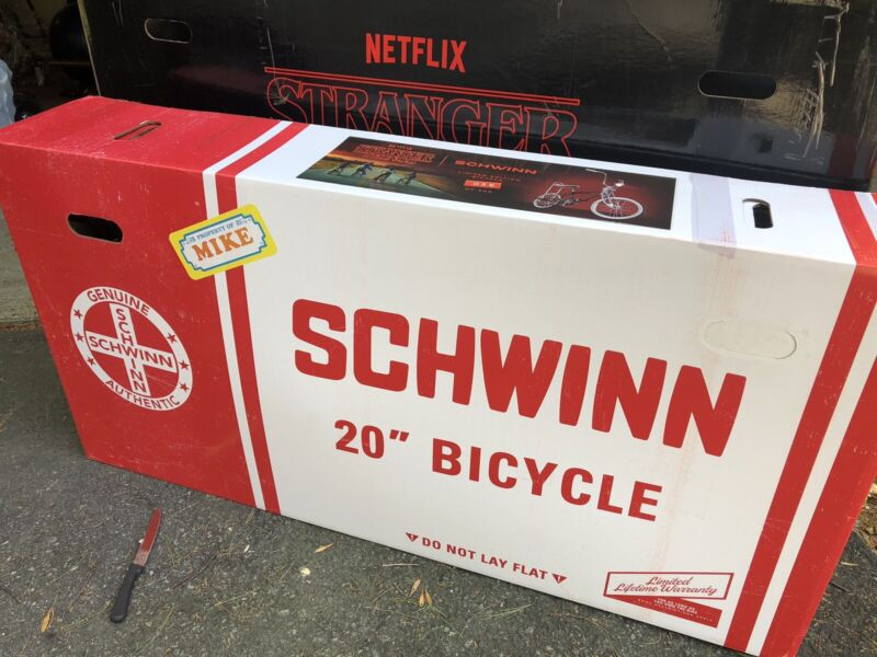 STRANGER THINGS MIKE BIKE LIMITED SCHWINN #59 of 500 NEW IN BOX STINGRAY BICYCLE
