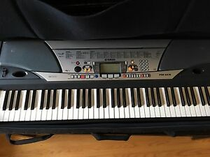 PSRGX76 Yamaha Portable Keyboard! Perfect Condition!!