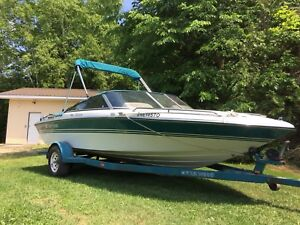 1993 four winns 18 foot closed deck with 4.3 Motor